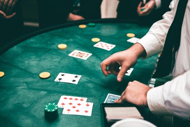 Poker spelen om rijk te worden